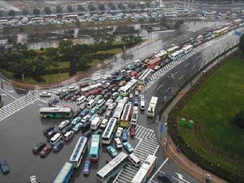 06c73 transito da china - Trânsito Chinês: Parece São Paulo mas não é!