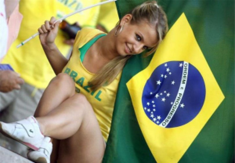 91e14 garota brasileira orkut bandeira brasil linda - 2008: Invasão brasileira no ORKUT