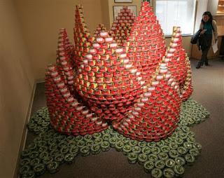 6de12 att00019 799755 - A arte de empilhar latas - O dom da arte e seus conceitos de pós modernidade