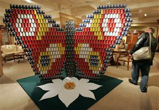 8ad21 att00013 798956 - A arte de empilhar latas - O dom da arte e seus conceitos de pós modernidade