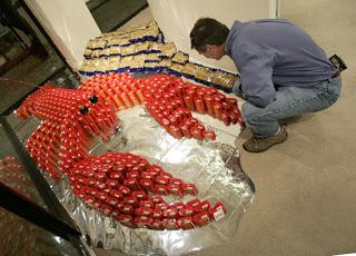 d47b2 att00025 700536 - A arte de empilhar latas - O dom da arte e seus conceitos de pós modernidade