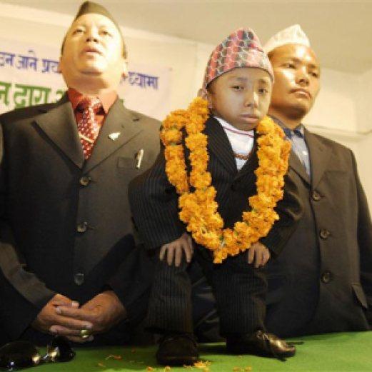 1b8b8 nepales - GuinessBook: Homem pode se tornar o menor do mundo