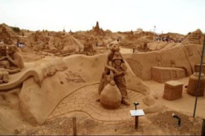 75d71 arte arena de playa 15 500x332 - Lindas Esculturas de Areia - Parte #1