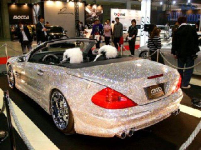 5be10 diamond covered mercedes sl - Eles não tem onde colocar dinheiro...Carros de Ouro e Diamante