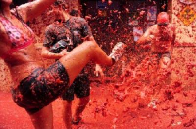 c5e06 la tomatina festival spain 2 - Festa da guerra do tomate na Espanha