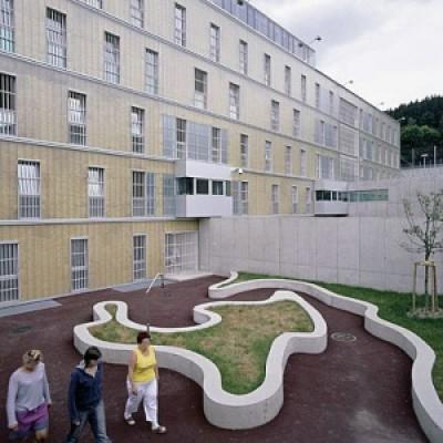 d3c1c image0044 799601 - Em uma penitenciária na Áustria