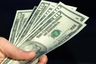 fda5f dinheiro dolar na mao - Vídeo de Eike Batista responde: O que o dinheiro NÃO compra?