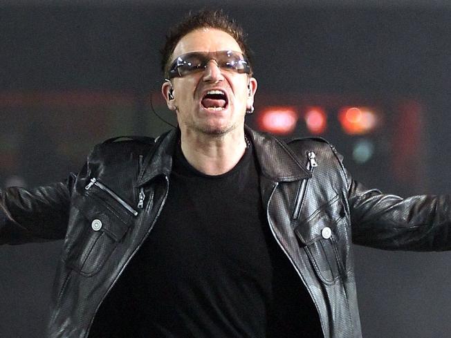 """57465 bono voz banda u2 - O Bono Vox do U2 cantou """"If I catch you"""" em seu show?"""