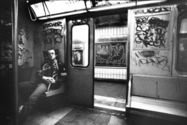 9a1cd keithharing subway metro1 historica - Keith Haring - Google fez homenagem ao artista e ativista