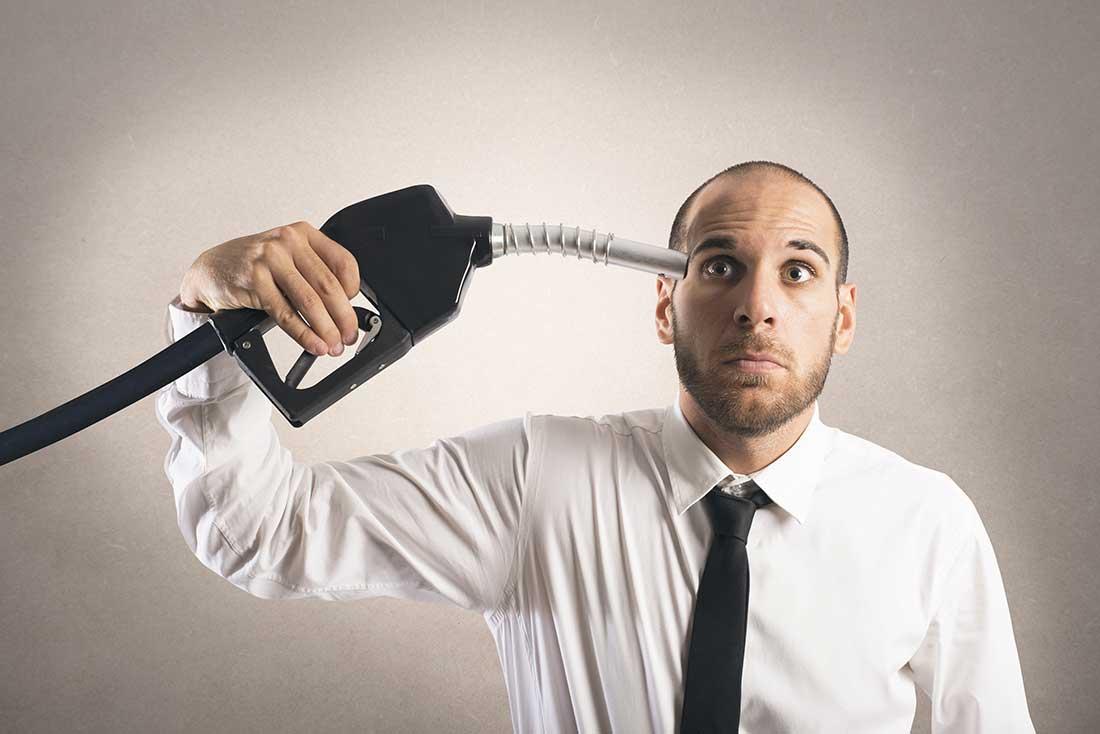 Fotos, Curiosidades, Comunicação, Jornalismo, Marketing, Propaganda, Mídia Interessante 201be-9-motivos-gasolina-cara-brasil Vídeo: A gasolina cara demais no Brasil Humor Vídeos