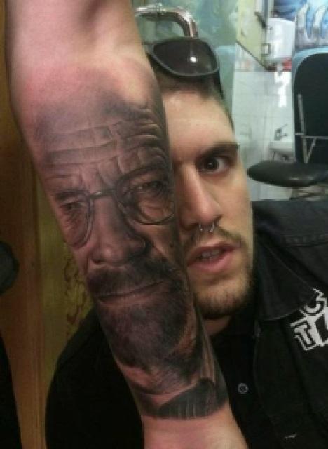 "327f2 tattoo arm realistic portrait heisenberg walter white - As 33 Melhores Tatoos de Walter White - Vulgo ""Heinsemberg"""