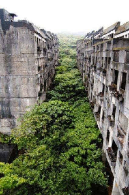 f0691 enhanced buzz 2143 1364331165 9 - Lugares Abandonados mais Incríveis e Lindos do Mundo - PARTE #03