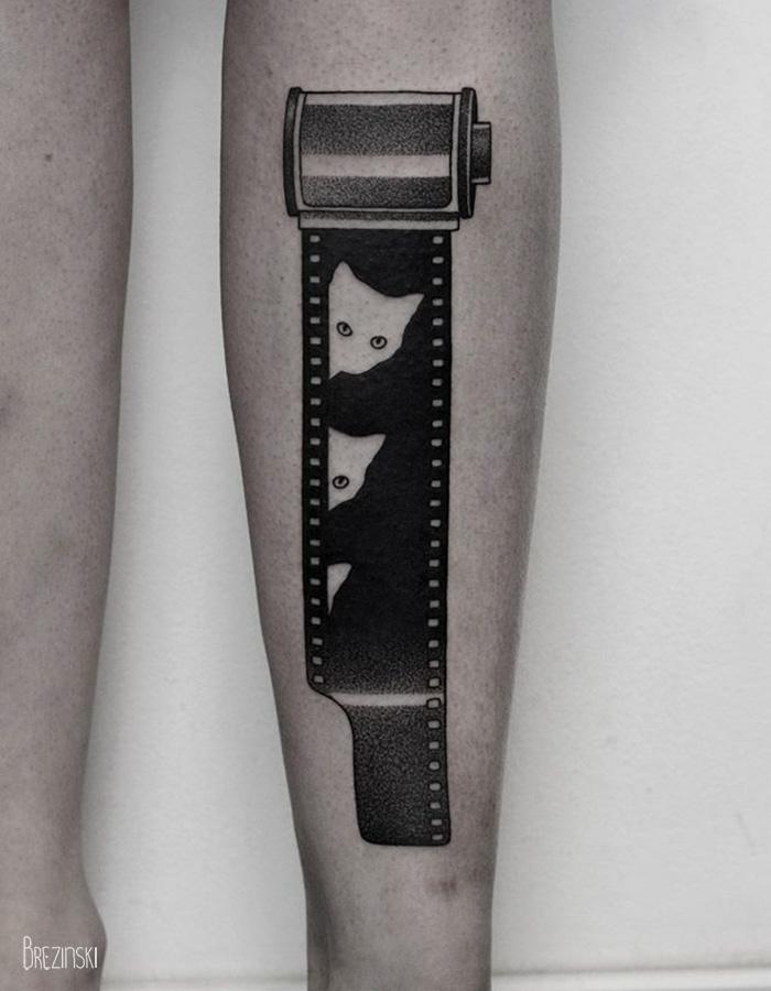 2f678 surreal tattoos ilya brezinski a5b - Artista llya Brezinski impressiona com a simplicidade de suas tatugens