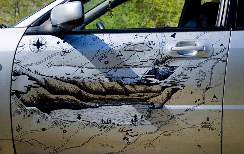 1d347 carro critaitvo4 - Sem dinheiro, homem repara o carro do jeito mais criativo do mundo